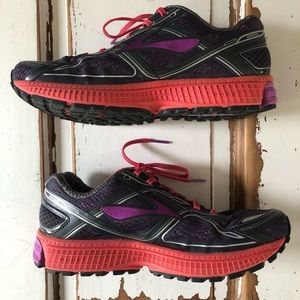 Brooks Ghost 8 Woman's Running Sneakers